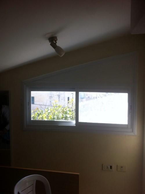 חלון אלומיניום דגם 7000